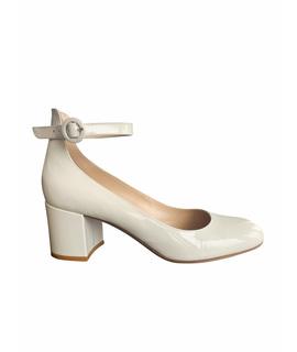 Туфли на низком каблуке GIANVITO ROSSI